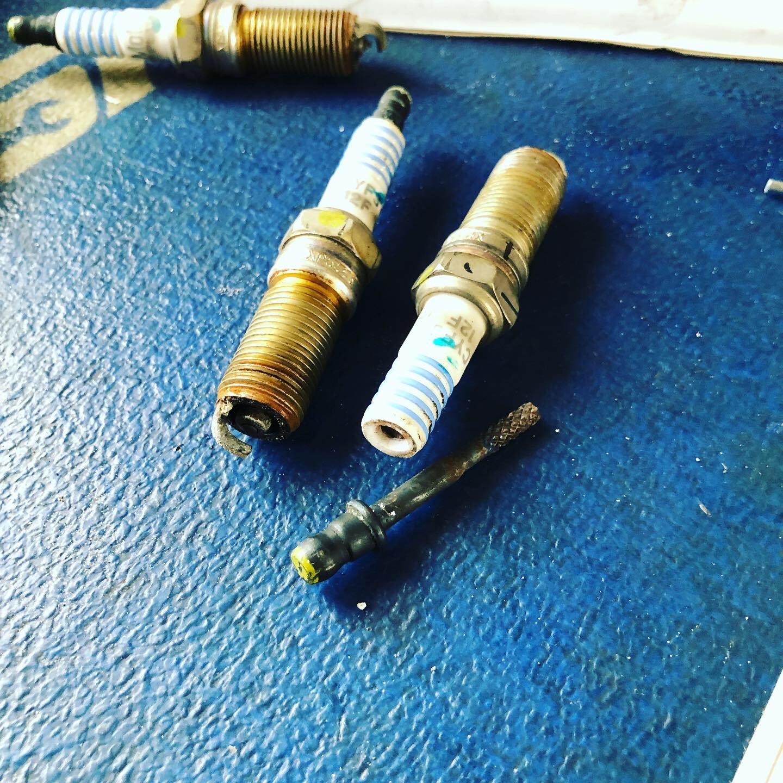 Spark Plug Tune Up in Oak Creek Wesley Chapel. mobile auto mechanic wesley chapel